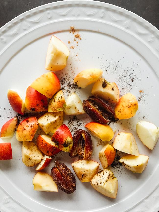 apples, dates, vanilla and cinnamon